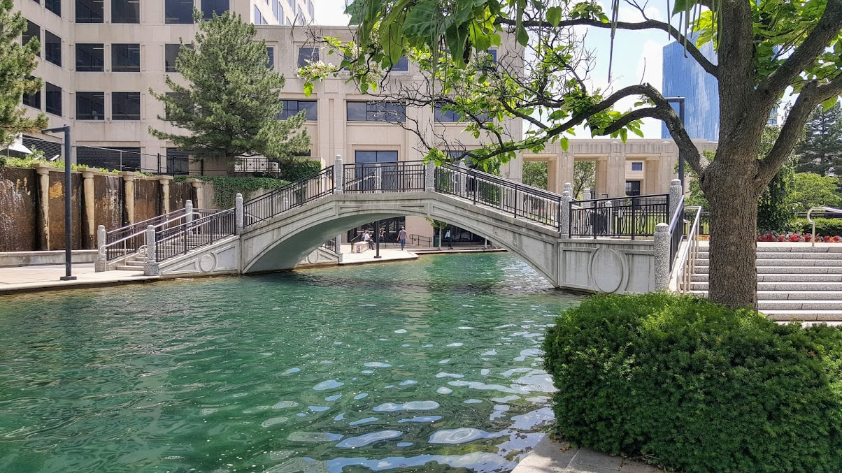 Ohio Street Basin, Indy Canal Walk, Elope Indiana, Indianapolis Wedding Officiant Services, Marry Me In Indy! LLC